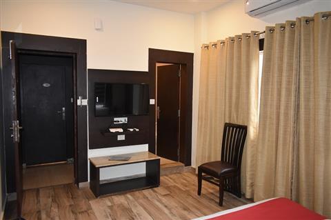 Hotel Mirage Residency